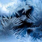 冬の信州 部屋の中で凍るもの